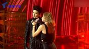蔡徐坤帶來歌曲《Pull+Up》,與美女貼身熱舞,A爆了!