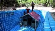 好漂亮的游泳池,天蓝色的真好看,生存兄弟太用心了